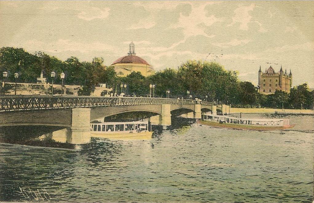 Före Stockholms Undergång  Skeppsholmsbron_1907